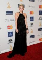 """Miley Cyrus - Beverly Hills - 09-02-2013 - Miley Cyrus al party Grammy: """"Qualcosa mi sfugge"""""""