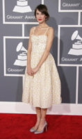Alexa Chung - Los Angeles - 10-02-2013 - Vita stretta e gonna ampia: bentornati anni '50!