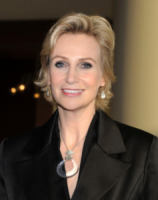 Jane Lynch - Los Angeles - 17-02-2013 - Baldwin-Delevingne: la bandiera arcobaleno sempre più in alto