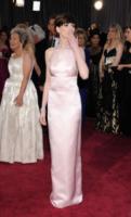 Anne Hathaway - Hollywood - 24-02-2013 - Anelli di fidanzamento delle star: qual è il vostro preferito?
