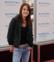 Kristen Stewart - Westwood - 06-11-2005 - Miley e le altre: da Disney a Lolita
