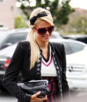 Paris Hilton - 19-02-2010 - Oggi ho in testa… solo l'uovo di Pasqua!