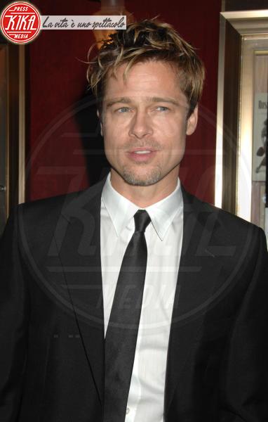 Brad Pitt - New York - 12-12-2006 - Pitt festeggia nel ristorante di  Jennifer Aniston