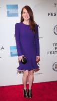 Julianne Moore - New York - 26-04-2013 - Il red carpet sceglie il colore viola. Ma non portava sfortuna?