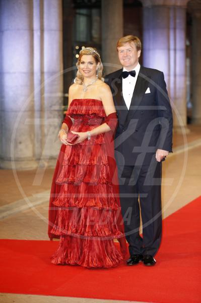 Máxima Zorreguieta Regina d'Olanda, Principe Willem-Alexander - Amsterdam - 29-04-2013 - Letizia, Rania, Mathilde, Charlene, Maxima: regine di stile