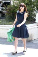 Zooey Deschanel - Los Angeles - 03-08-2012 - In primavera ed estate, vesti(v)amo alla marinara