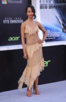 Zoe Saldana - Hollywood - 14-05-2013 - Per essere chic, basta un velo di cipria… indosso!