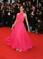 Freida Pinto - Cannes - 15-05-2013 - Ecco le celebrity che non fanno un plissé… ma mille!