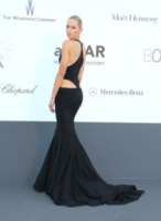 Karolina Kurkova - Cannes - 23-05-2013 - Festival di Cannes: il red carpet è una scacchiera