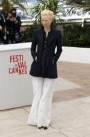 Tilda Swinton - Cannes - 25-05-2013 - Festival di Cannes: il red carpet è una scacchiera