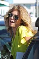 AnnaLynne McCord - Toluca Lake - 08-10-2010 - Gli occhiali sono lo specchio dell'anima delle star