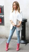 Jennifer Lopez - Londra - 30-05-2013 - Vade retro abito!: Jennifer Lopez a BBC Radio 1