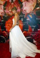 Taylor Swift - New York - 12-06-2013 - Indecisa sull'abito nuziale? Ispirati al red carpet!