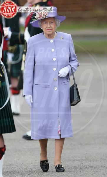 Regina Elisabetta II - Kent - 28-06-2013 - Elisabetta II, viola che vince non si cambia!