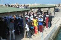 immigrati - Lampedusa - 08-07-2013 - Affonda un barcone di immigrati al largo di Lampedusa: 17 morti