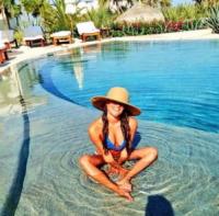 Lea Michele - Milano - 09-07-2013 - L'estate non è solo mare, ma anche tranquillitàdella piscina