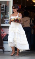 Halle Berry - Los Angeles - 27-07-2013 - Quest'estate le star vanno in bianco