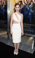 Lily Collins - Hollywood - 11-08-2013 - Quest'estate le star vanno in bianco