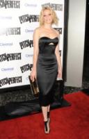 Elizabeth Banks - Los Angeles - 24-09-2012 - Lady Gaga ed Elizabeth Banks: chi lo indossa meglio?