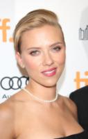 Scarlett Johansson - Toronto - 11-09-2013 - Cosa hanno in comune Scarlett Johansson e Cristina Parodi?