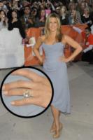 Jennifer Aniston - Toronto - 15-09-2013 - Anelli di fidanzamento delle star: qual è il vostro preferito?