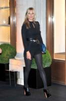 Kate Moss - Londra - 14-09-2013 - Jennifer Lopez e le altre, sexy in shorts in barba al freddo