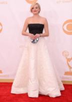 Elisabeth Moss - Los Angeles - 22-09-2013 - Emmy Awards 2013: le star che hanno azzeccato l'abito