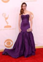 Alyson Hannigan - Los Angeles - 22-09-2013 - Il red carpet sceglie il colore viola. Ma non portava sfortuna?