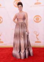 Betsy Brandt - Los Angeles - 22-09-2013 - Emmy Awards 2013: 50 (o quasi) sfumature di rosa