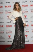 Jessica Alba - Pasadena - 27-09-2013 - Addio, abito lungo: sul red carpet si impone lo spezzato