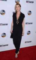 Ellen Pompeo - Hollywood - 28-09-2013 - La tuta glam-chic conquista le celebrity