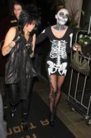 Miley Cyrus - Los Angeles - 30-10-2012 - Ad Halloween le star si vestono così