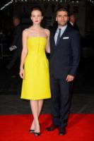Carey Mulligan, Oscar Isaac - Londra - 15-10-2013 - Carey Mulligan: giallo Dior alla premiere di Inside Llewyn Davis