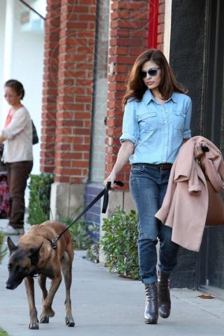 Eva Mendes - Los Angeles - 16-10-2013 - Il migliore abbinamento per il jeans? Altro jeans