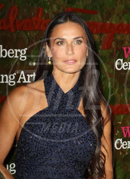 Demi Moore - Beverly Hills - 15-12-2006 - Il successo porta dritto dritto al rehab