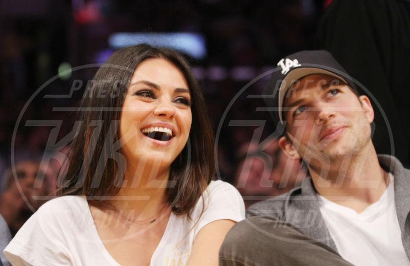 Mila Kunis, Ashton Kutcher - Los Angeles - 12-02-2013 - Non solo divorzi, in arrivo una cascata di fiori d'arancio