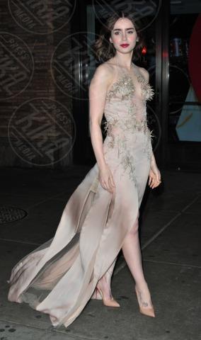 Lily Collins - New York - 11-11-2013 - Lily Collins, da principessa Biancaneve a regina di stile!