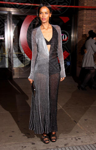 Liya Kebede - New York - 12-11-2013 - Sotto il vestito… niente! Ma proprio niente!