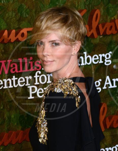 Charlize Theron - Beverly Hills - 17-10-2013 - Quando le celebrity ci danno un taglio… ai capelli!