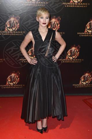 Jennifer Lawrence - Parigi - 15-11-2013 - Grazie a Dior, Jennifer Lawrence è una regina sul red carpet!