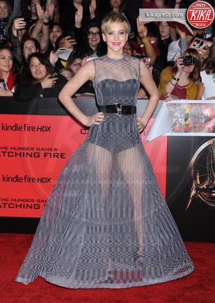 Jennifer Lawrence - Los Angeles - 17-11-2013 - Avvolte in una nuvola di tulle e sotto… la lingerie!