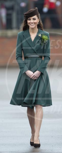 Kate Middleton - Aldershot - 17-03-2012 - Kate Middleton, abito che vince non si cambia!