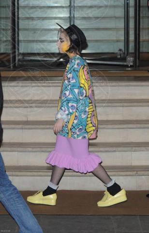 Lady Gaga - Londra - 06-12-2013 - Lady Gaga e le altre: indossa l'arte e mettila da parte!