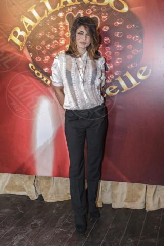 Samantha Togni - Roma - 09-12-2013 - Camicia bianca e pantaloni neri: dal casual al red carpet