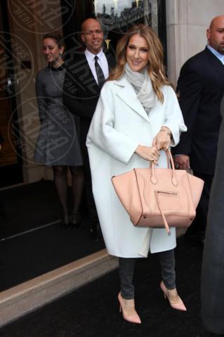 Celine Dion - Parigi - 27-11-2012 - Le celebrities vanno in bianco… anche d'inverno!