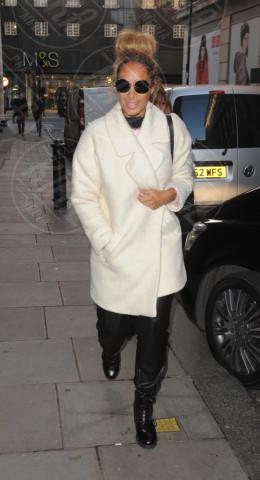 Leona Lewis - Londra - 14-11-2013 - Le celebrities vanno in bianco… anche d'inverno!