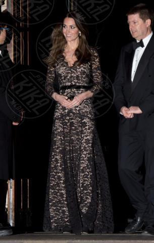Kate Middleton - Londra - 11-12-2013 - Kate Middleton è la signora in rosso… di nuovo!