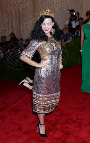 Katy Perry - New York - 06-05-2013 - Lady Gaga e le altre: indossa l'arte e mettila da parte!