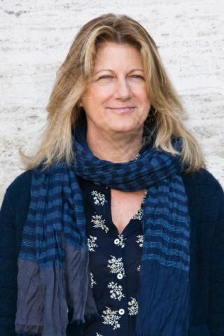 Angela Finocchiaro - Roma - 26-12-2013 - Con sto freddo con sto vento, chi esce senza sciarpa?