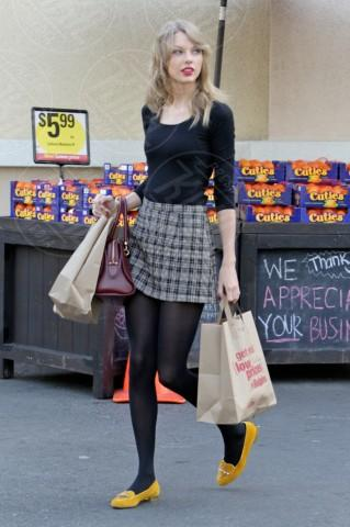 Taylor Swift - Los Angeles - 03-01-2014 - Si scrive street-style chic, si legge… Taylor Swift!